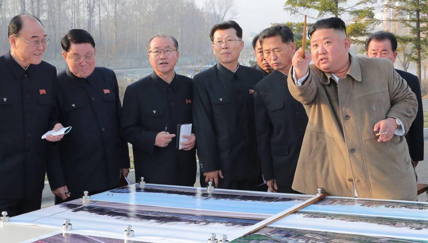 Kim Dzong Un prowadzi rozmaite działania zaczepne (fot. PAP/EPA/KCNA)
