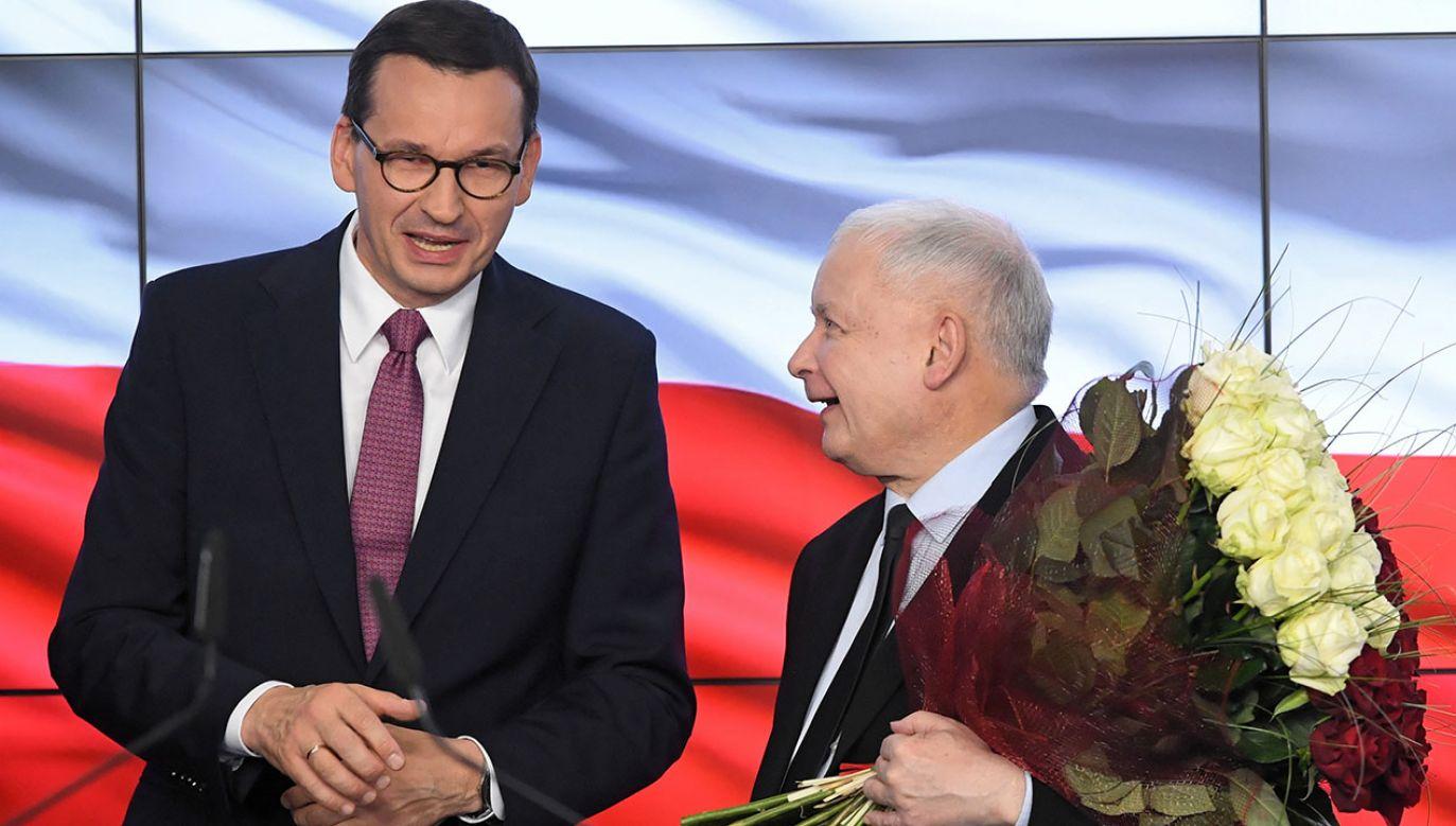 Mateusz Morawiecki i Jarosław Kaczyński (fot. PAP/Radek Pietruszka)