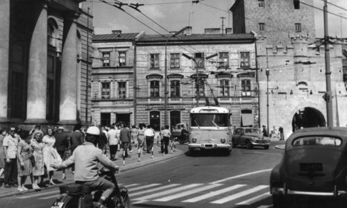 Lublin 07.1964. Brama Krakowska. (fot. arch.PAP/Edmund Uchymiak)