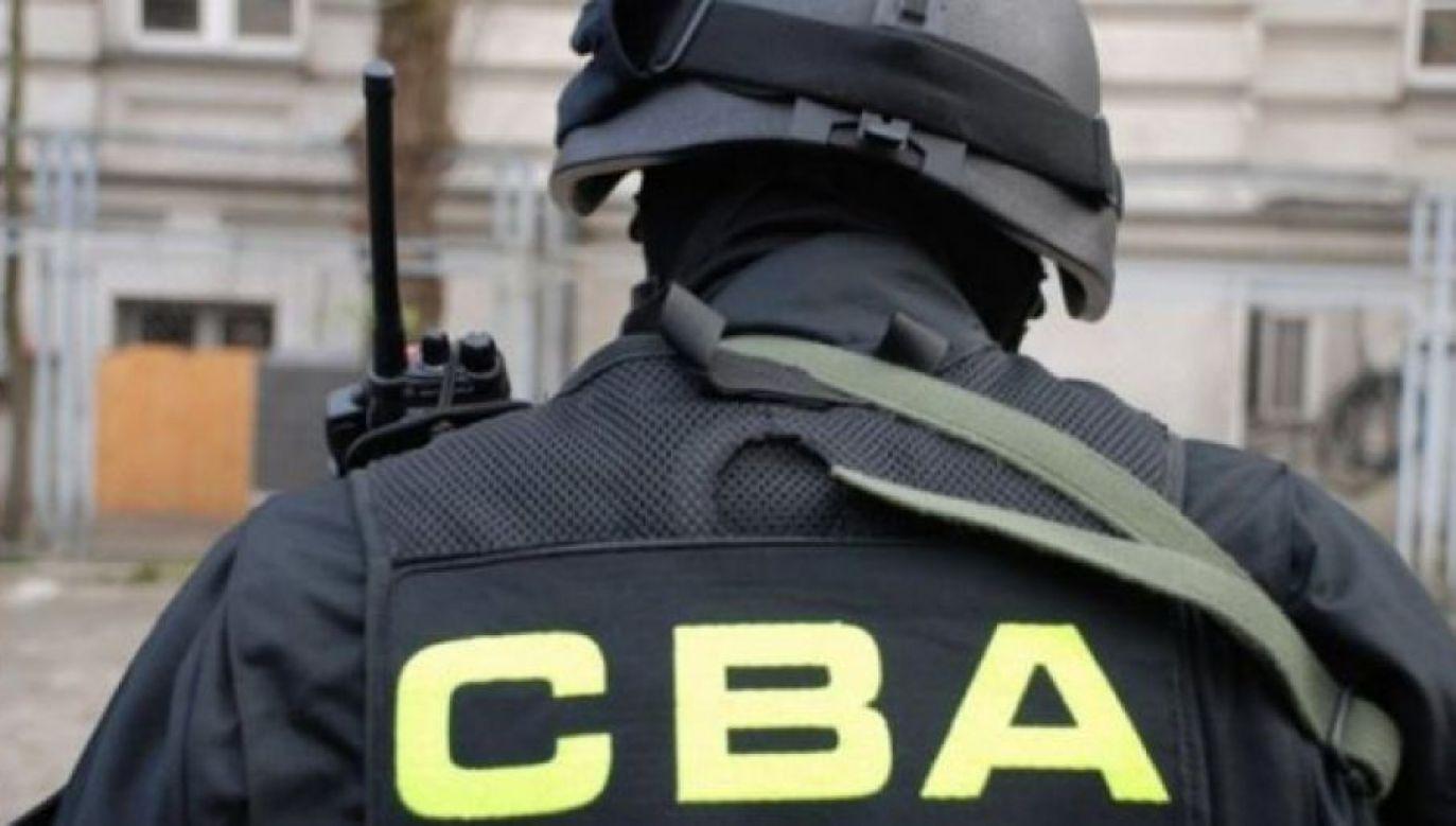 Mężczyźnie postawiono zarzuty w Prokuraturze Regionalnej w Białymstoku (fot.CBA)