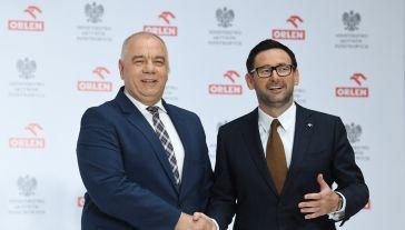 List intencyjny podpisali szef MAP, wicepremier Jacek Sasin i prezes PKN Orlen Daniel Obajtek (fot. PAP/Radek Pietruszka)