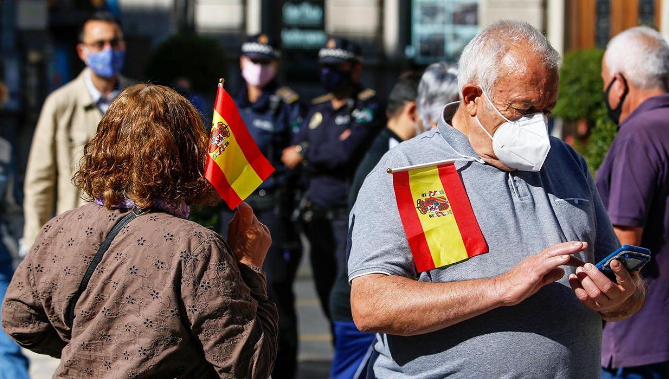 W grudniu do Hiszpanii ma trafić pierwsza partia szczepionki (fot. Álex Cámara/NurPhoto via Getty Images)
