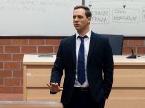 Transakcję przeprowadzoną przez małoletnią omówił podczas wykładu (fot. TVP)