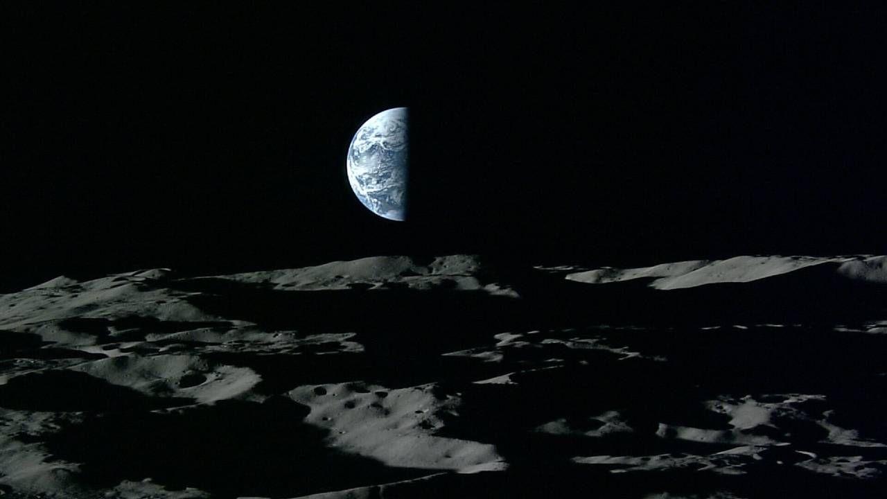 Dzięki pomiarom laserowym do sztucznych i naturalnego satelity Ziemi dowiedzieliśmy się, ile wynosi stała grawitacji i masa Ziemi (fot. ESA)