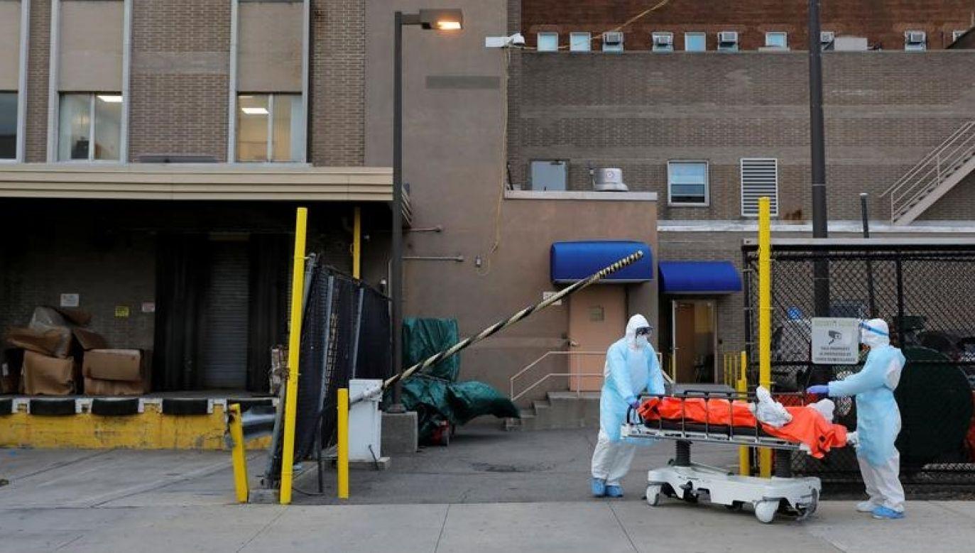 W Stanach Zjednoczonych odnotowano dotąd ponad 320 tys. zakażeń nowym koronawirusem (fot. REUTERS / Andrew Kelly)