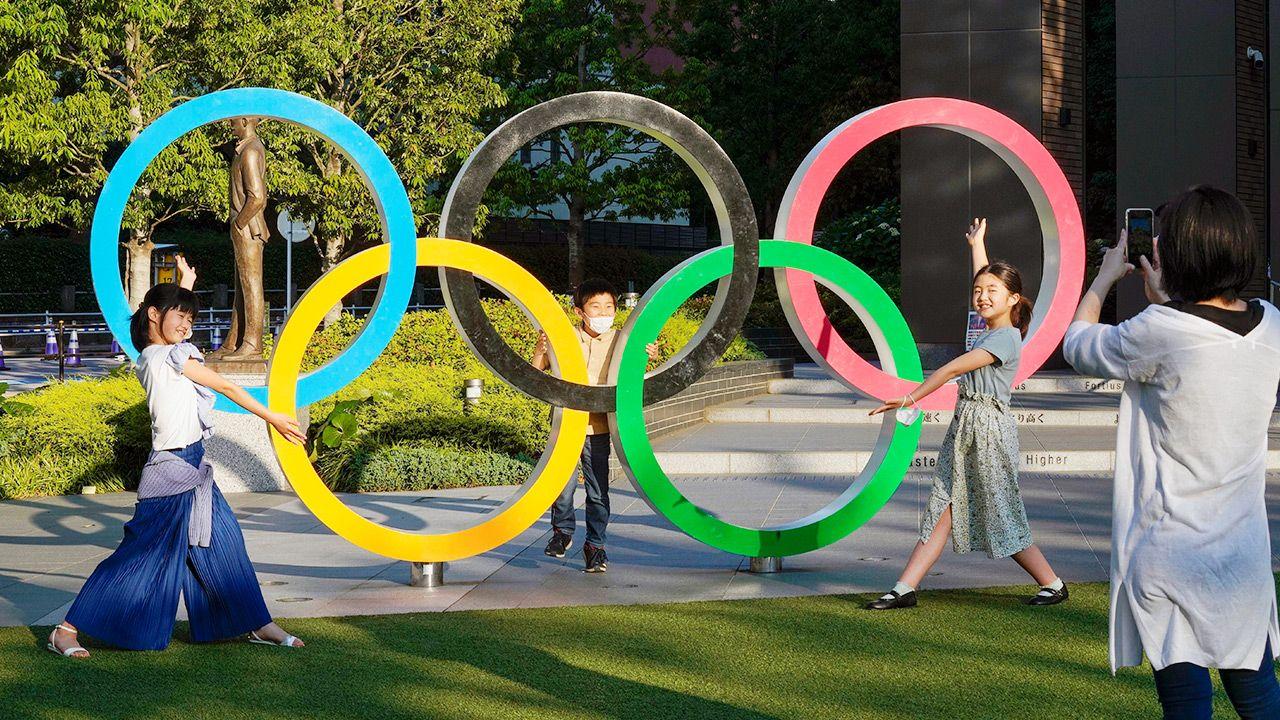 10 tys. wolontariuszy zrezygnowało z pomocy podczas igrzysk w Tokio (fot. PAP/EPA/KIMIMASA MAYAMA)