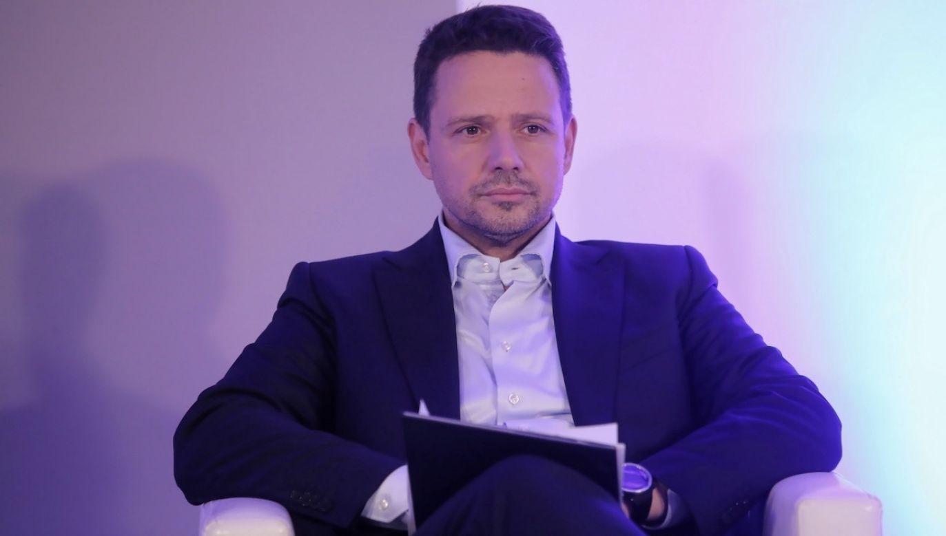 """Debata """"Nowe media publiczne"""" odbyła się w Domu Innowacji Społecznych Rzemieślnicy i Marzyciele w Warszawie  (fot. PAP/Wojciech Olkuśnik)"""