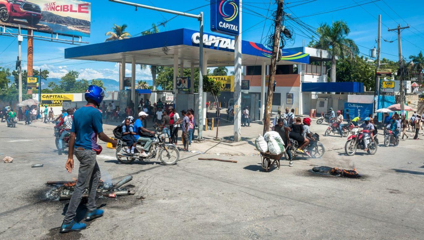 Gangi opanowały rynek paliw w stolicy kraju (fot. Sabin Johnson/Anadolu Agency via Getty Images)