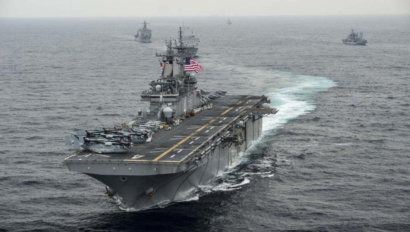 Irański dron podleciał na odległość 1000 jardów od okrętu USS Boxer (fot. Reuters)
