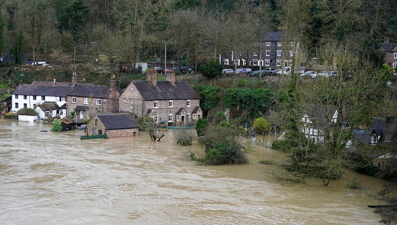 Najtrudniejsza sytuacja panuje w południowej Walii (fot. Christopher Furlong/Getty Images)