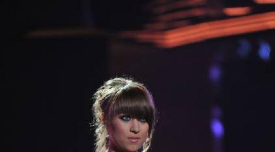 Anna Szatybełko podczas debiutów sięgnęła po utwór Anny Jantar (fot. TVP/I.Sobieszczuk)