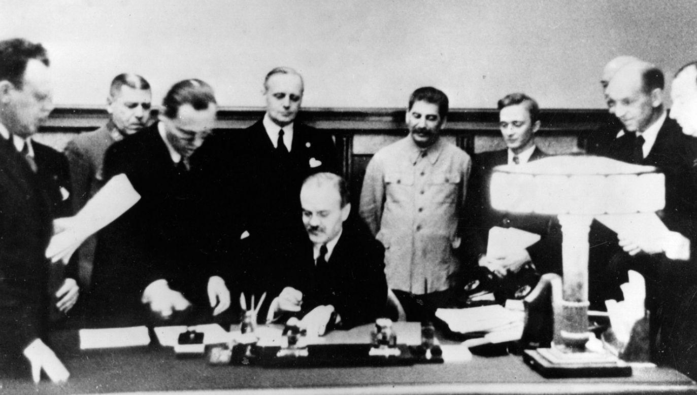 80 lat po podpisaniu paktu Ribbentrop-Mołotow nadal odczuwane są jego szkodliwe konsekwencje – mówili europosłowie (fot. Keystone/Getty Images)