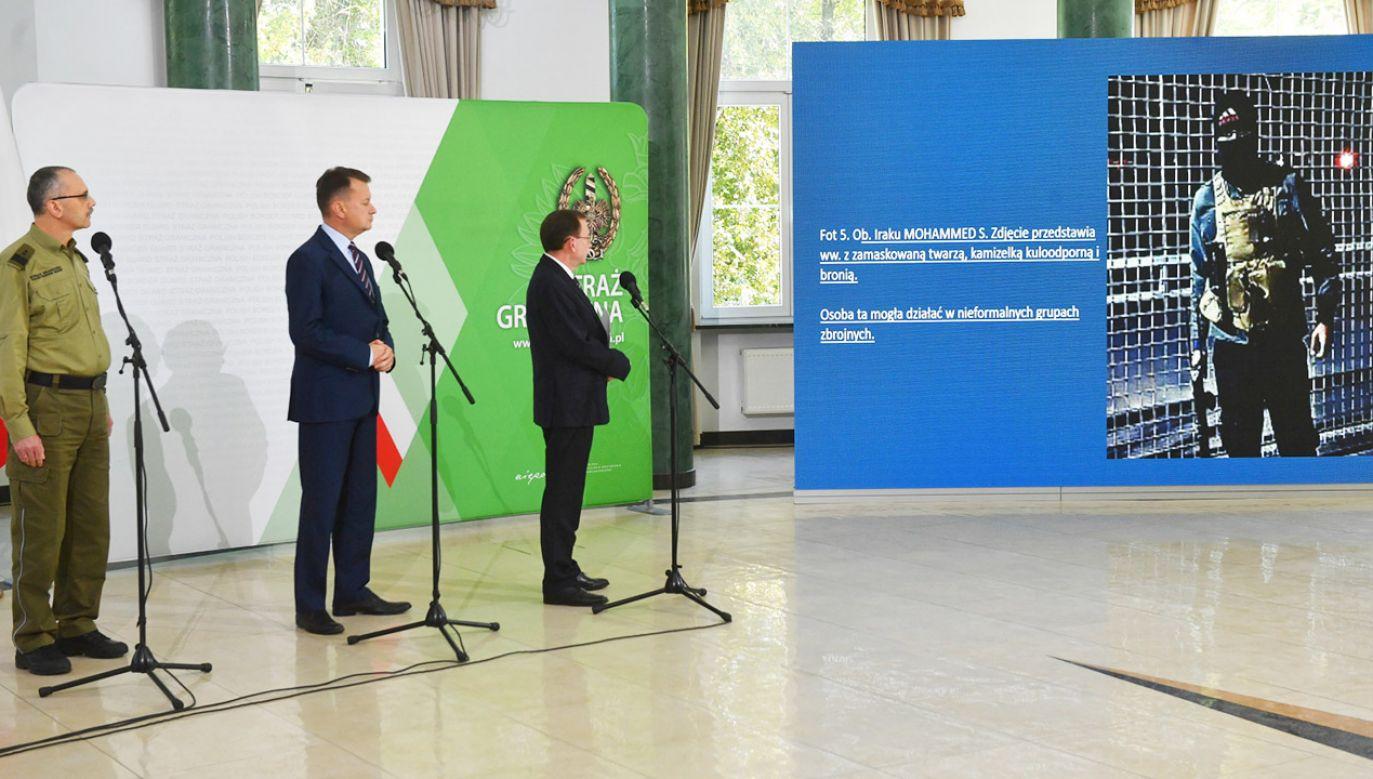 Stan wyjątkowy obowiązuje do początku października (fot. PAP/Radek Pietruszka)