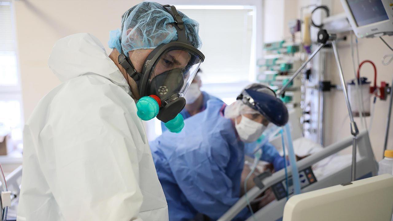 Raport o epidemii koronawirusa w Polsce (fot. PAP/Leszek Szymański)