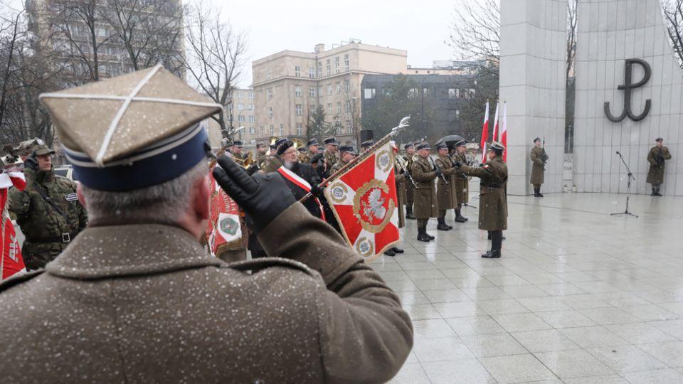 Premier: Armia Krajowa jest dla nas wzorem międzyludzkiej solidarności - tvp.info