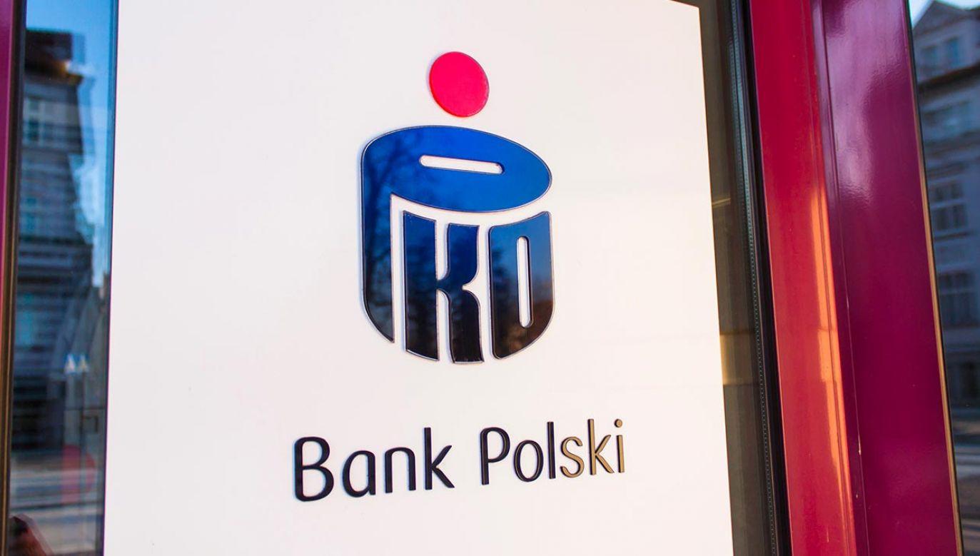 """Bank  PKO BP poinformował, że od stycznia 2015 roku, """"czyli od momentu gwałtownego wzrostu kursu CHF, w banku obowiązuje tabela kursowa dedykowana do kredytów w CHF – spread wynosi 1 proc.""""(fot. Shutterstock/ksokolowska)"""