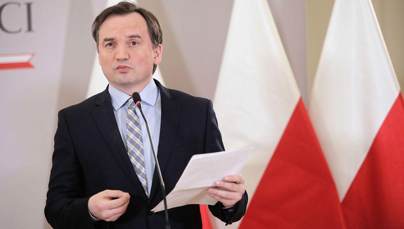 Minister odniósł się m.in. do propozycji kompromisu, który zaproponował w rozmowie z Vierą Jourovą (fot.  PAP/Wojciech Olkuśnik)