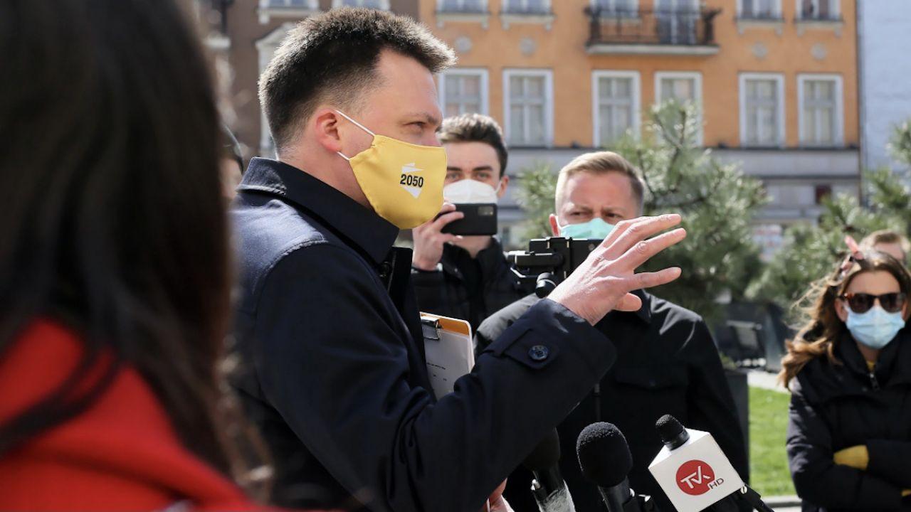 Hołownia komentował też głosowanie nad Funduszem Odbudowy (fot. PAP/Tomasz Wojtasik)