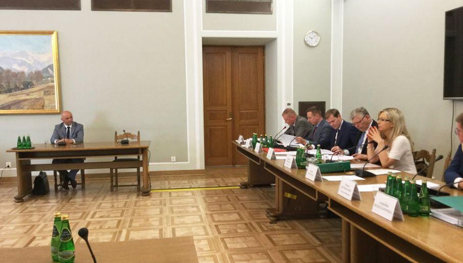 Komisja ds. Amber Gold kontynuuje wątek dotyczący inwestycji Marcina P. (fot. Sejm RP)