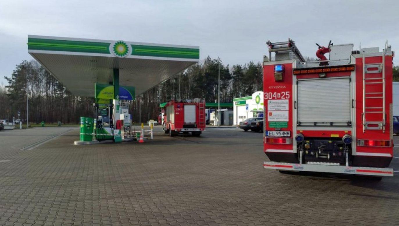Do wypadku doszło na stacji paliw w Łodzi (fot. Policja Łódzka)