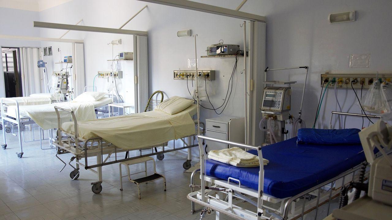 """""""Część szpitali zmuszona jest do radykalnych działań ze względu na trudności ze znalezieniem odpowiedniej liczby pracowników"""" (fot. pixabay.com/ 1662222)"""