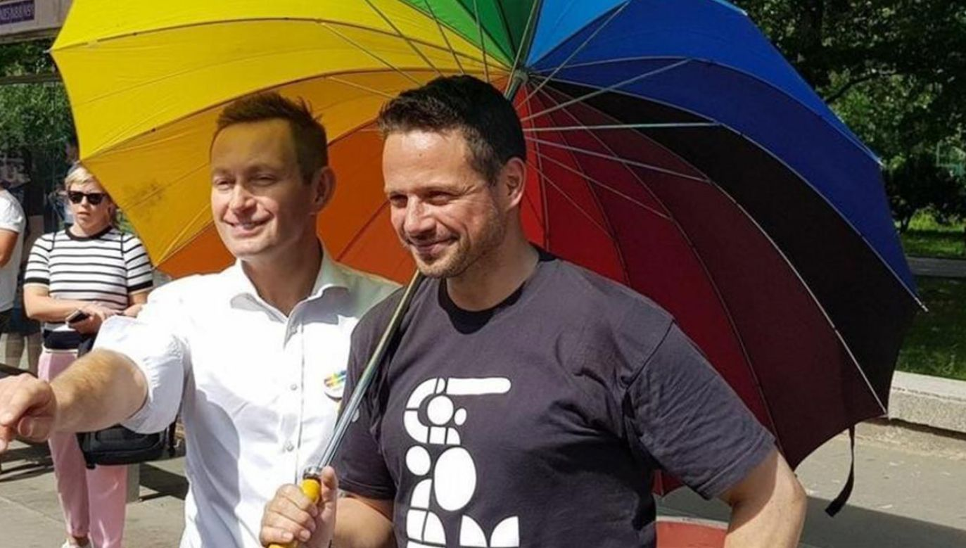 Prezydent Warszawy Rafał Trzaskowski podczas ubiegłorocznej Parady Równości (fot. Twitter/Rafał Trzaskowski)