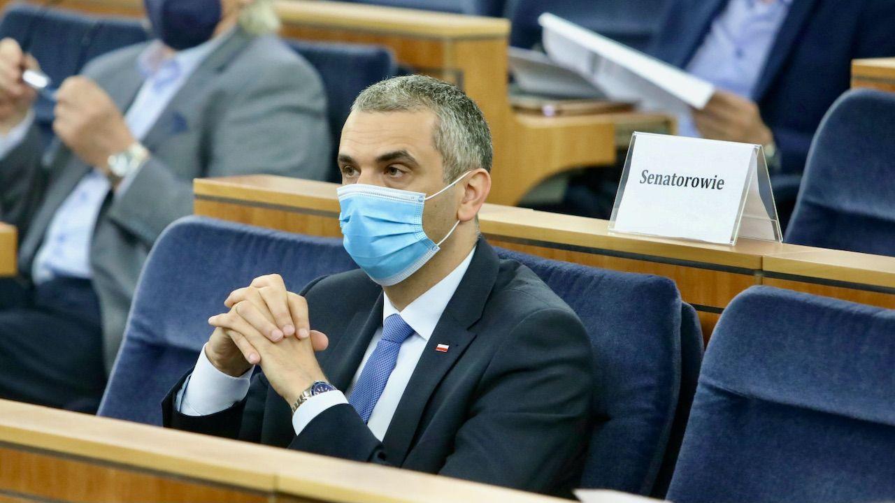 Senacka większość - opozycja wobec obozu rządzącego - zastanawia się nad umieszczeniem preambuły (fot. PAP/Wojciech Olkuśnik)