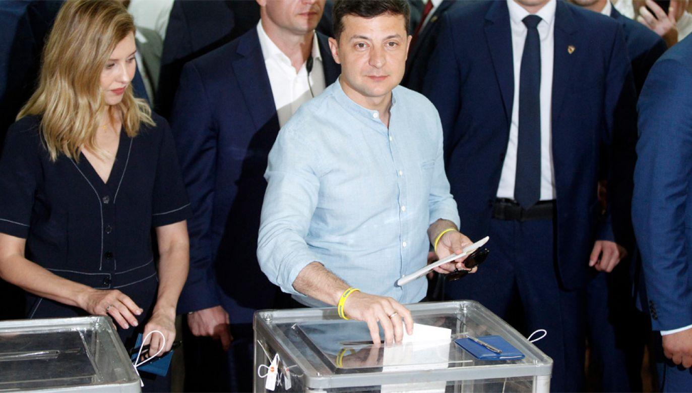 Prezydent Wołodymyr Zełenski liczy na pełnię władzy (fot. PAP/EPA/STEPAN FRANKO)