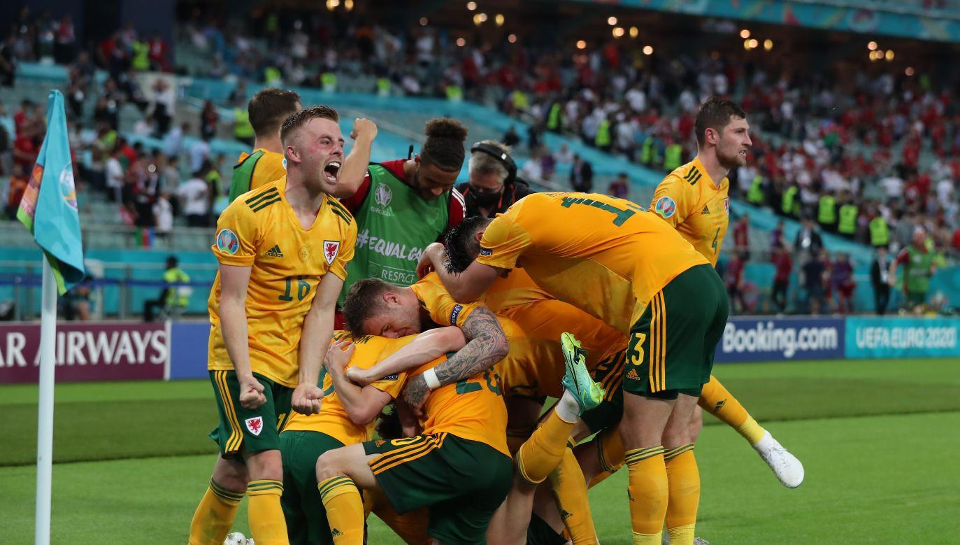 Radość Walijczyków po golu Robertsa (fot. Getty Images)