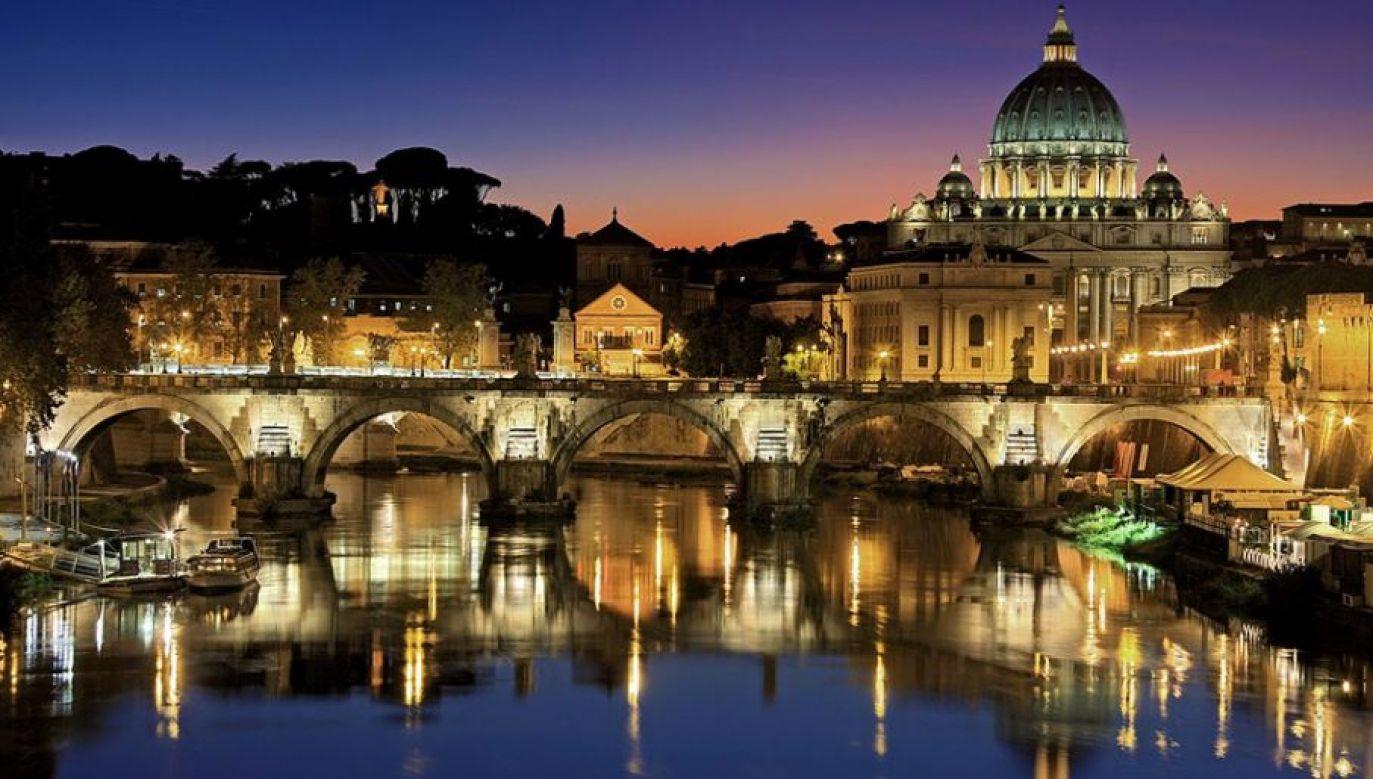 Bp Sergio Pagano podkreślił, że decyzję o udostępnieniu pełnej dokumentacji odnoszącej się do pontyfikatu Piusa XII rok temu podjął Franciszek (fot. (fot. Pixabay/ Julius Silver) )