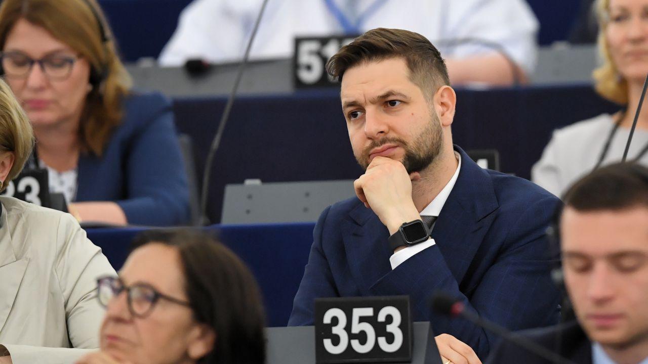 Eurodeputowany Patryk Jaki (fot. PAP/Radek Pietruszka)