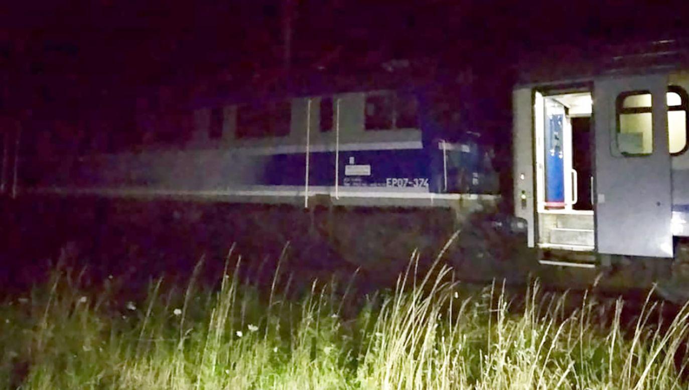 Pasażerów ewakuowano (fot. FB/OSP Szydłowo)