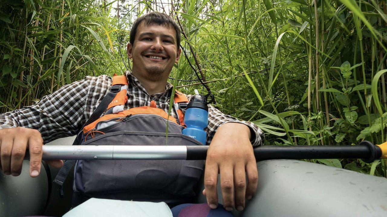 Bartek Szaro w ciągu roku zamierza przepłynąć kajakiem 50 polskich rzek (fot. Bartek Szaro)