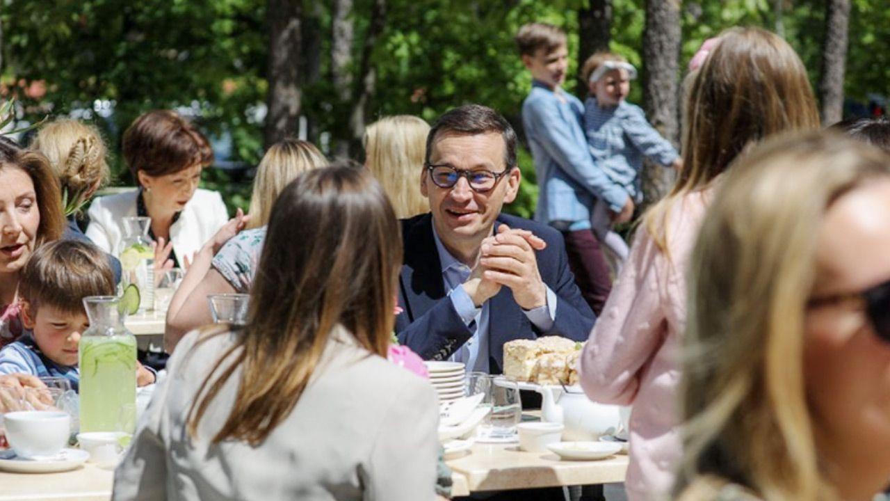 Mateusz Morawiecki złożył życzenia w Dniu Matki (fot. Krystian Maj/KPRM)