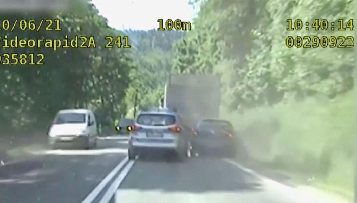 Ścigany kierowca nie reagował na polecenia (fot. Policja dolnośląska)