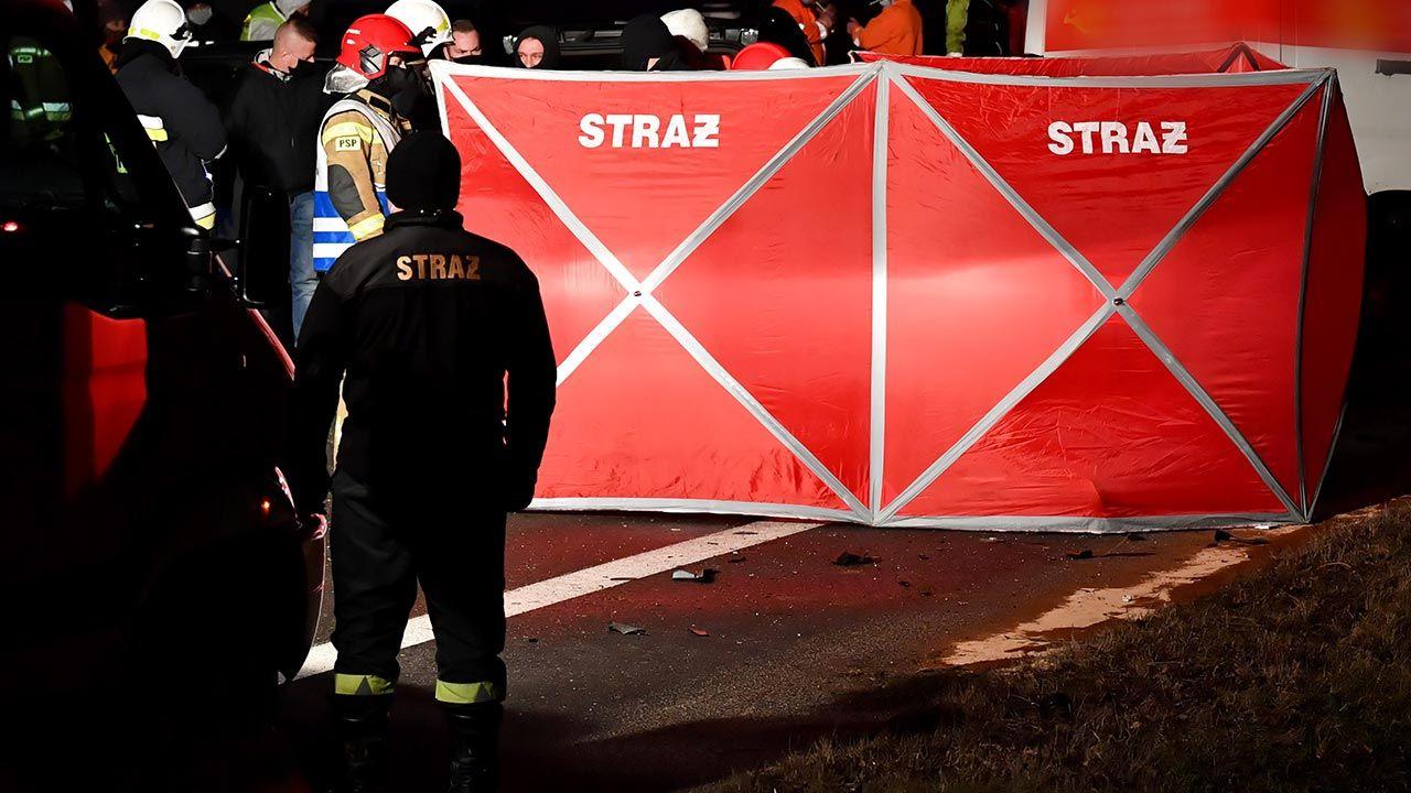 Tragiczny wypadek na drodze gminnej koło Lipska (fot. PAP/Piotr Polak)