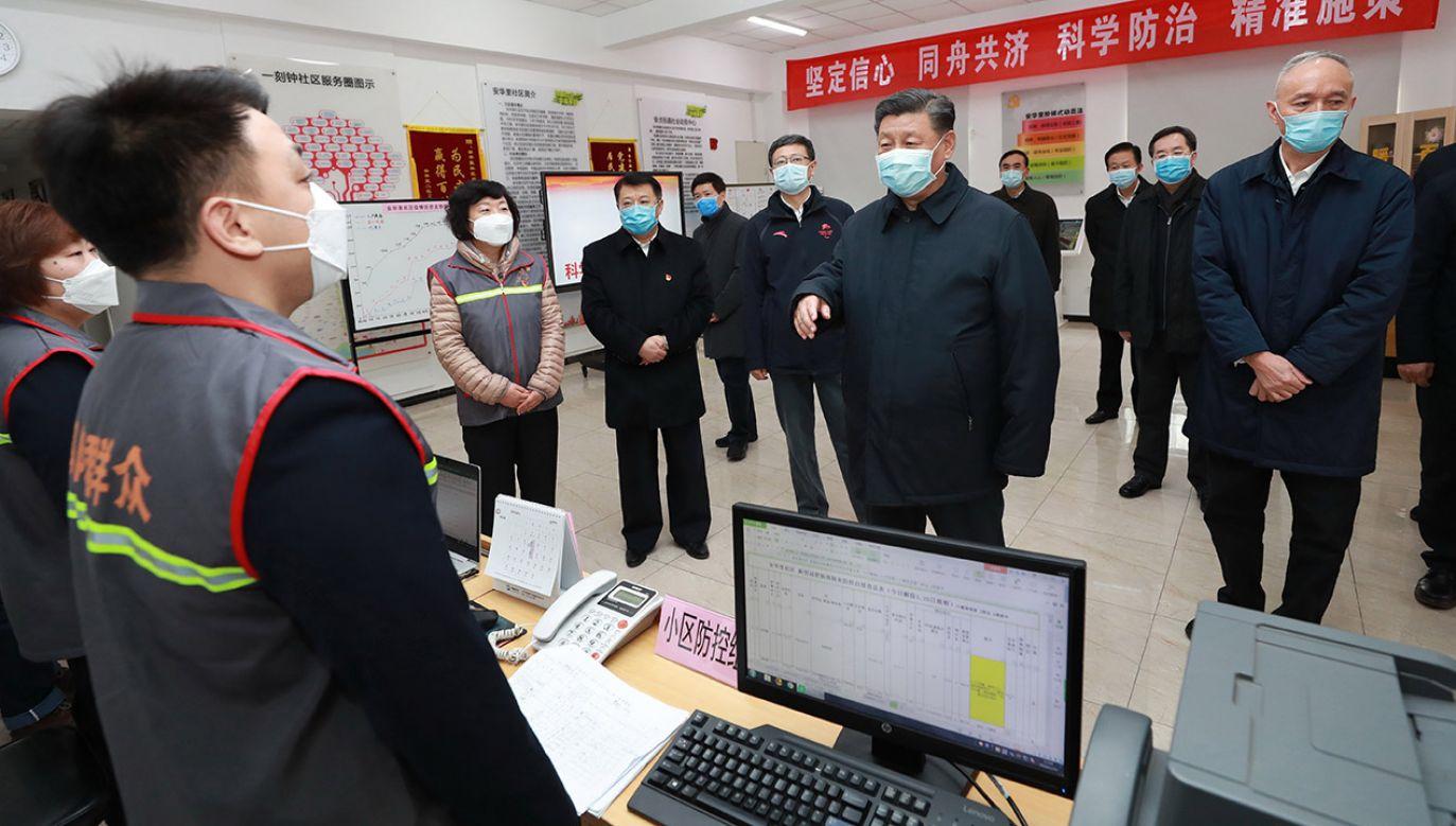 Dla Xi Jinpinga i jego ekipy najważniejsze jest utrzymanie kontroli nad społeczeństwem (fot. PAP/EPA/XINHUA/JU PENG)