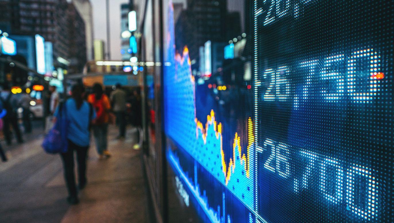"""Organizacja wezwała do """"podjęcia szybkich kroków"""", które mogą zapobiec skutkom gospodarczym epidemii (fot. Shutterstock/jo.pix)"""