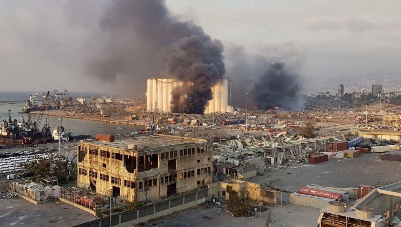 Potężna eksplozja spowodowała śmierć co najmniej 135 osób. Rannych jest około 4 tys. (fot. PAP/EPA/WADEL HAMZEH)