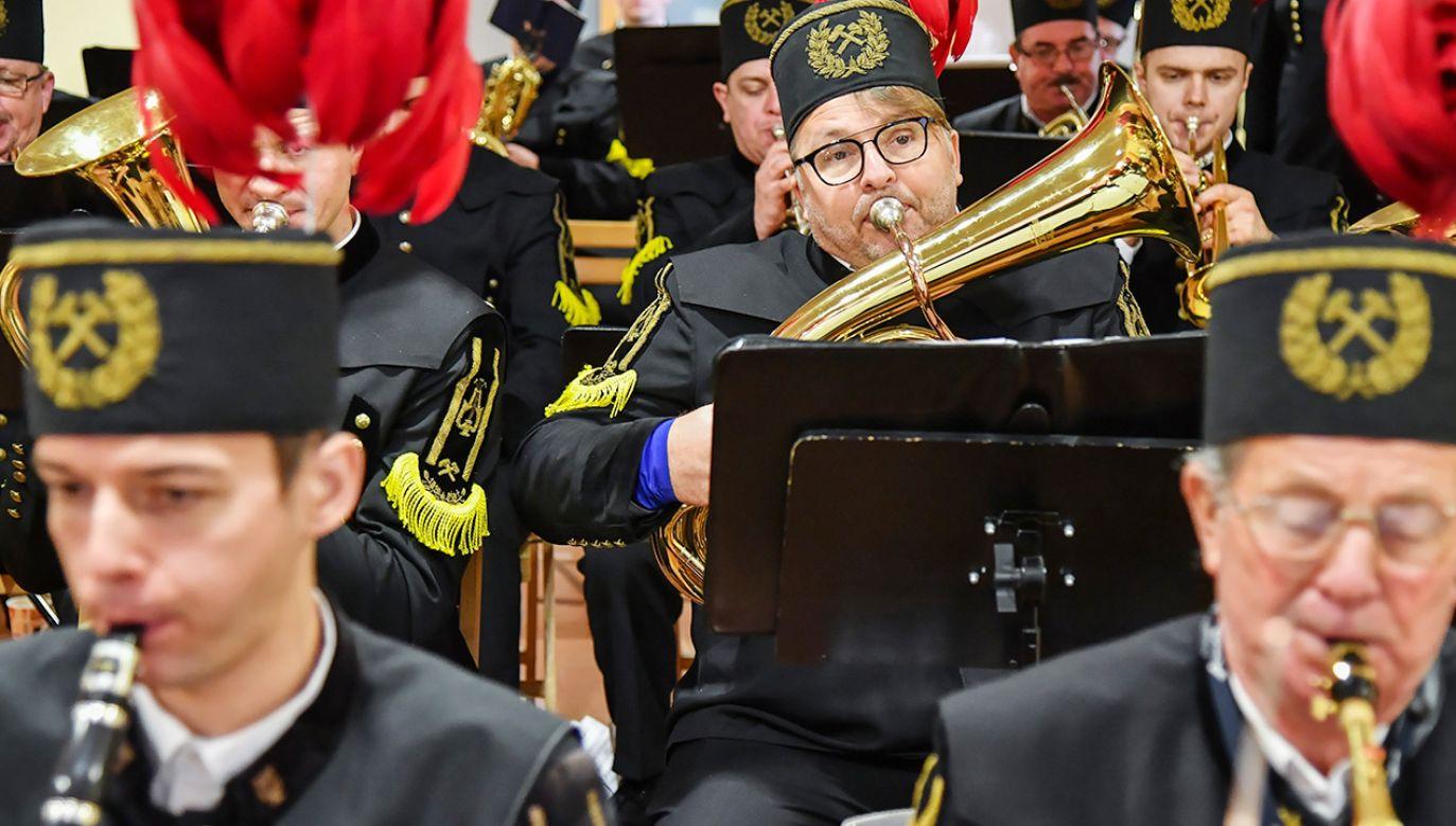 Jakie tradycje są związane z Barbórką? (fot. PAP/Wojtek Jargiło)
