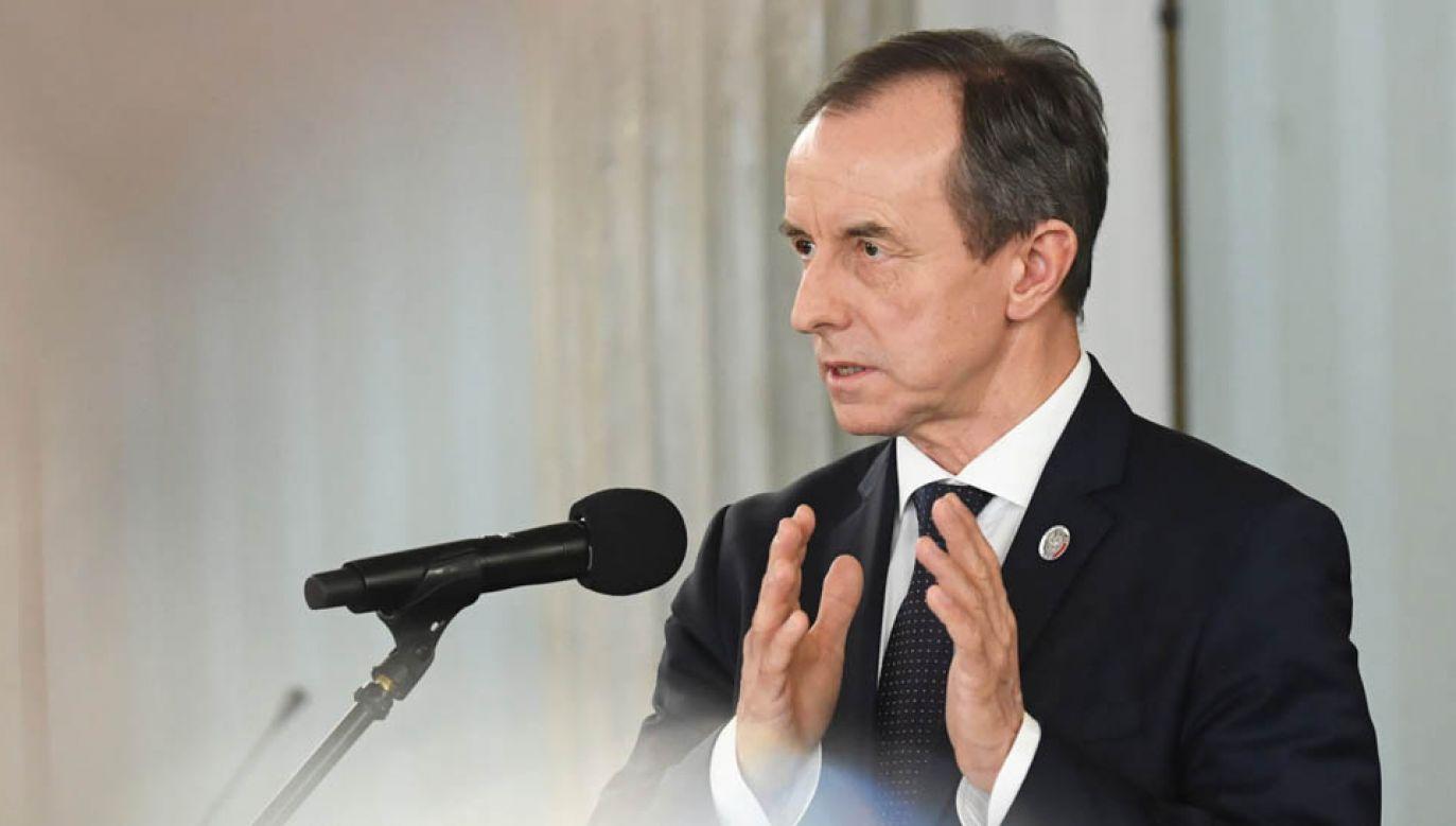 Marszałek Senatu Tomasz Grodzki podczas konferencji prasowej (fot. PAP/Radek Pietruszka)