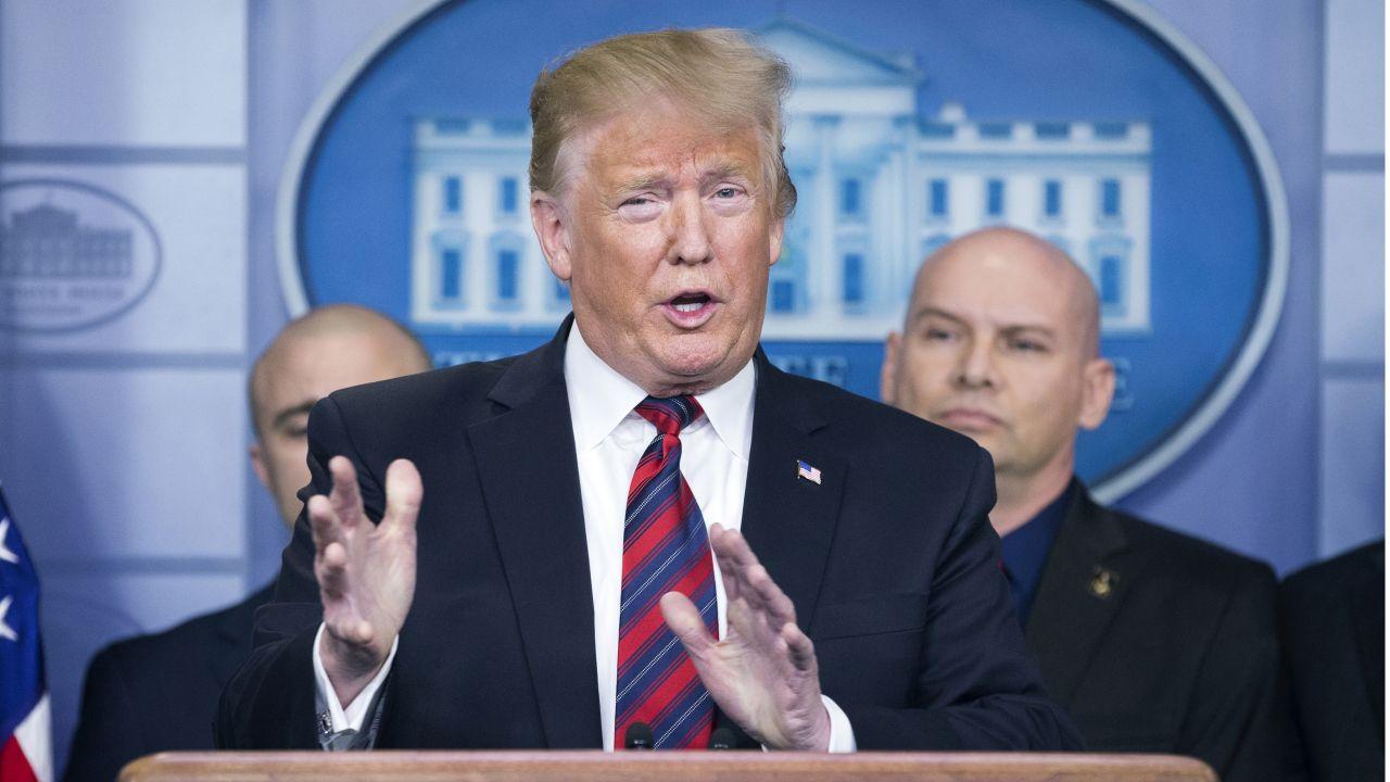 Trump rozpoczął batalię o reelekcję (fot. PAP/EPA/MICHAEL REYNOLDS)