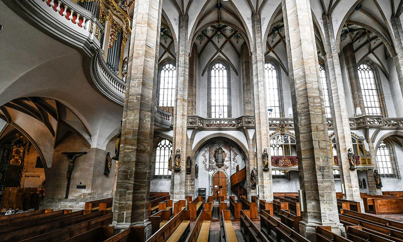 Wnętrze Katedry we Freibergu, Niemcy (fot. PAP/EPA/FILIP SINGER)