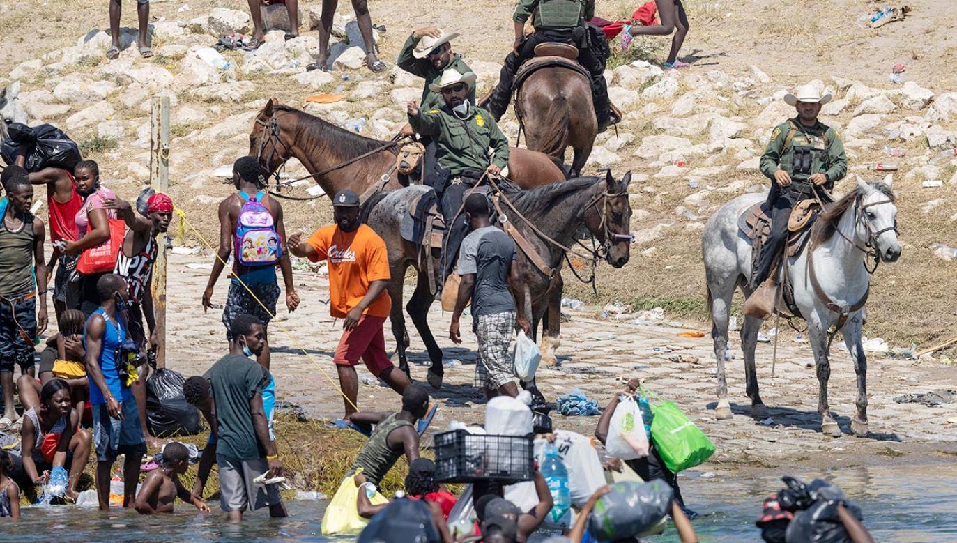 Deportacja imigrantów z Del Rio z powrotem na Haiti (fot. John Moore/Getty Images)