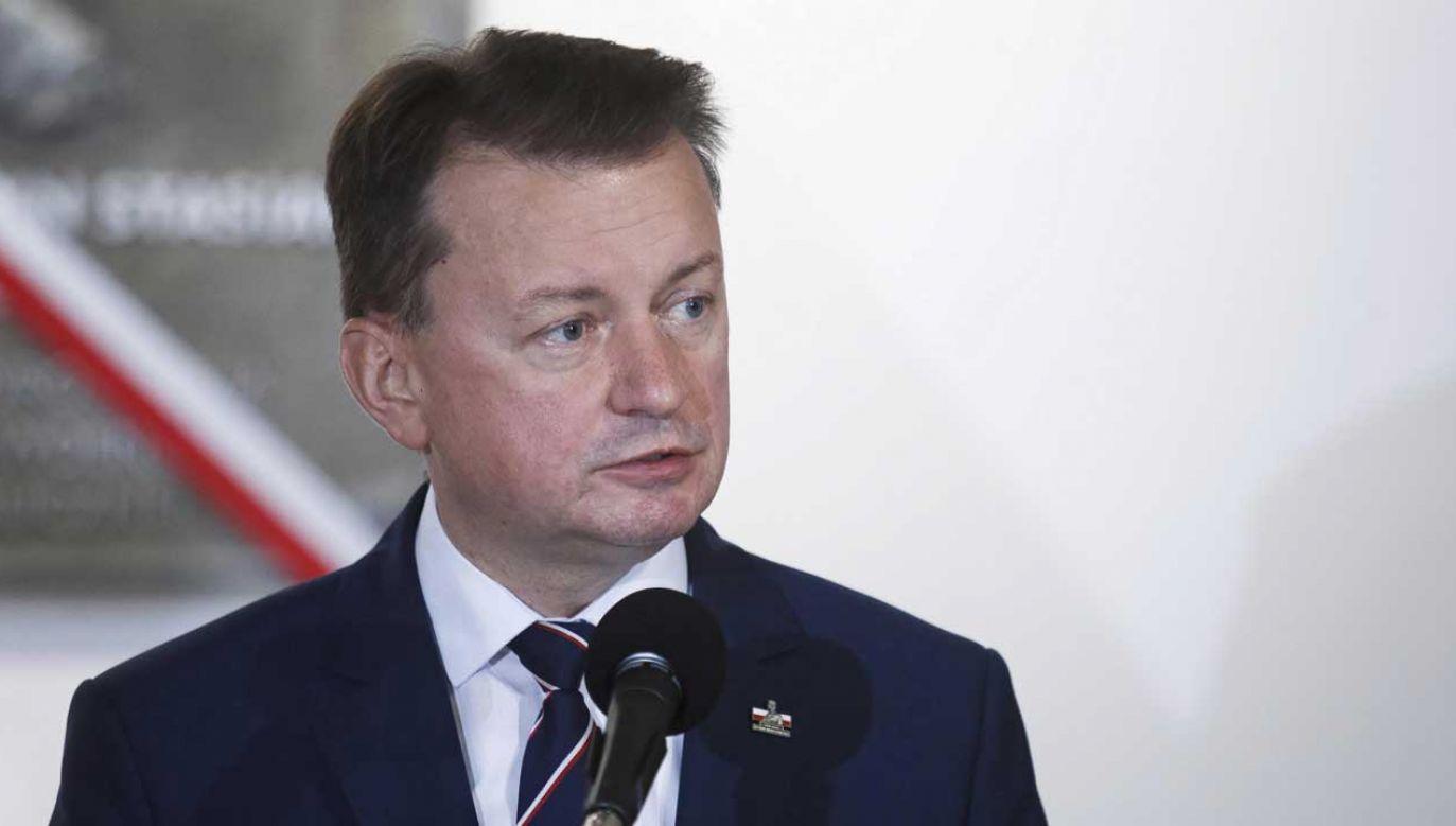 Mariusz Błaszczak trafił na kwarantannę na początku tego tygodnia (fot. arch. PAP/Aleksander Koźmiński)
