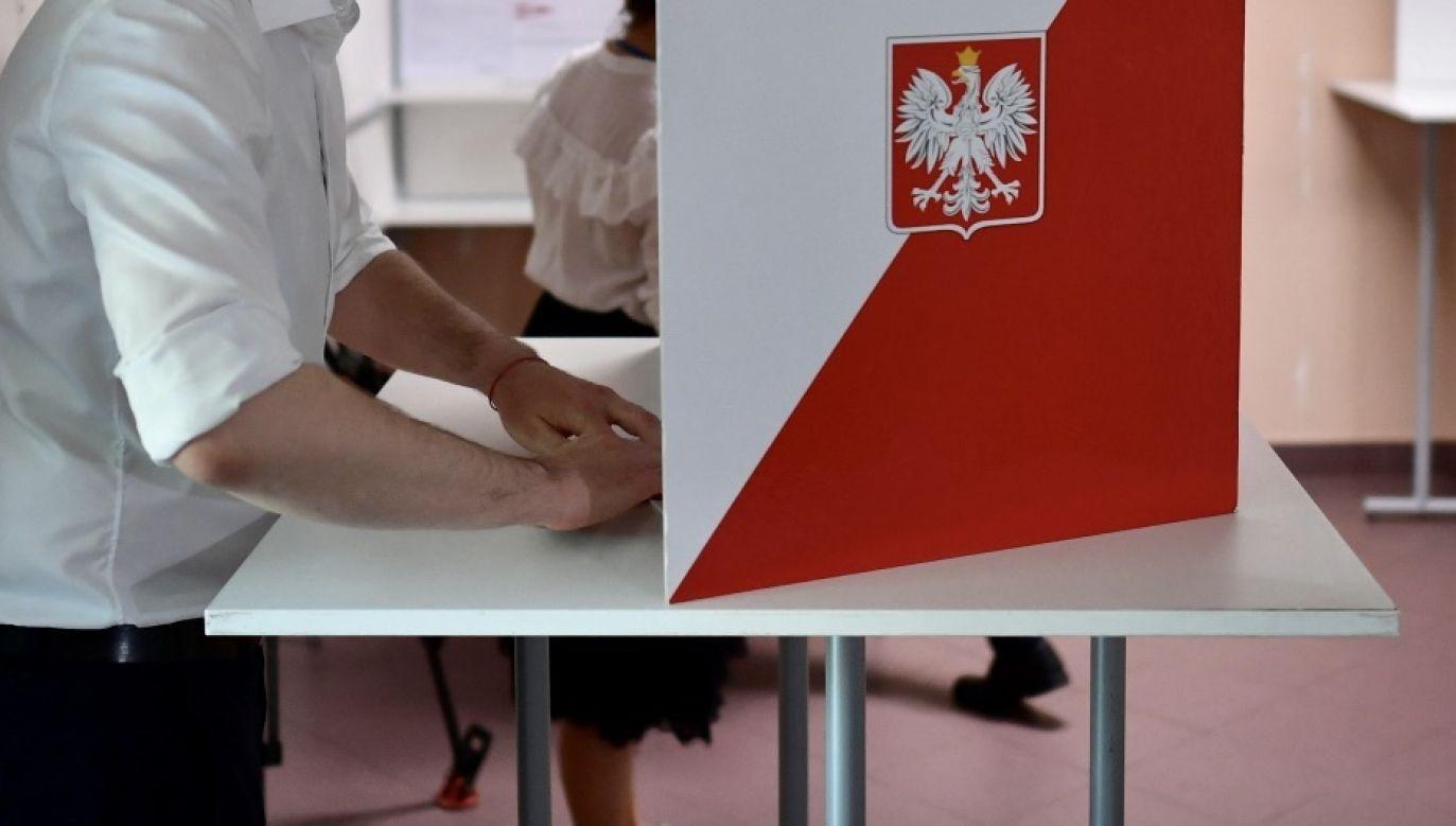 Druga tura wyborców prezydenckich odbędzie się w niedzielę 12 lipca (fot. PAP/Marcin Obara)