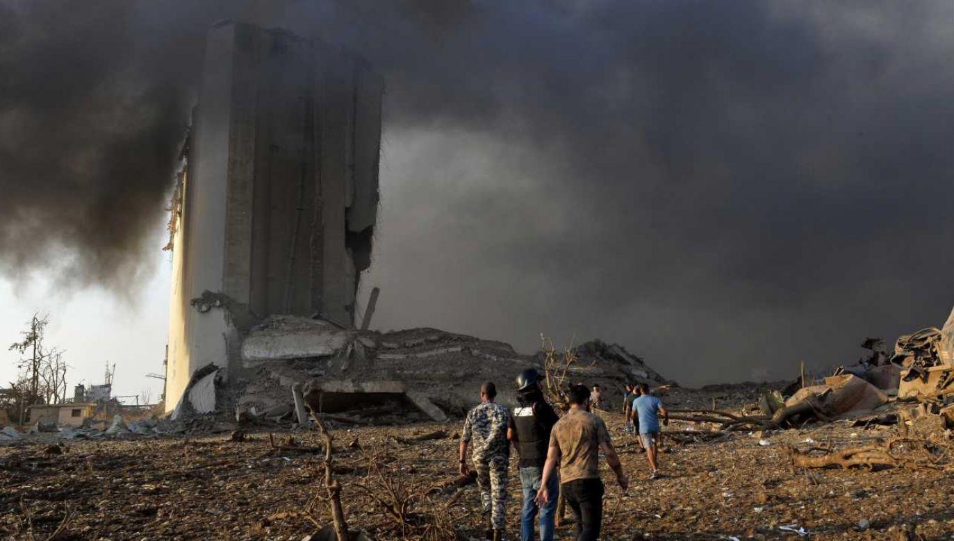 Port w Bejrucie uległ zniszczeniu (fot. PAP/EPA/WAEL HAMZEH)