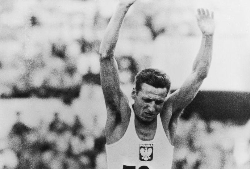 Józef Szmidt zdobył złoty medal w trójskoku na igrzyskach olimpijskich w Rzymie 1960 (fot. Getty Images)