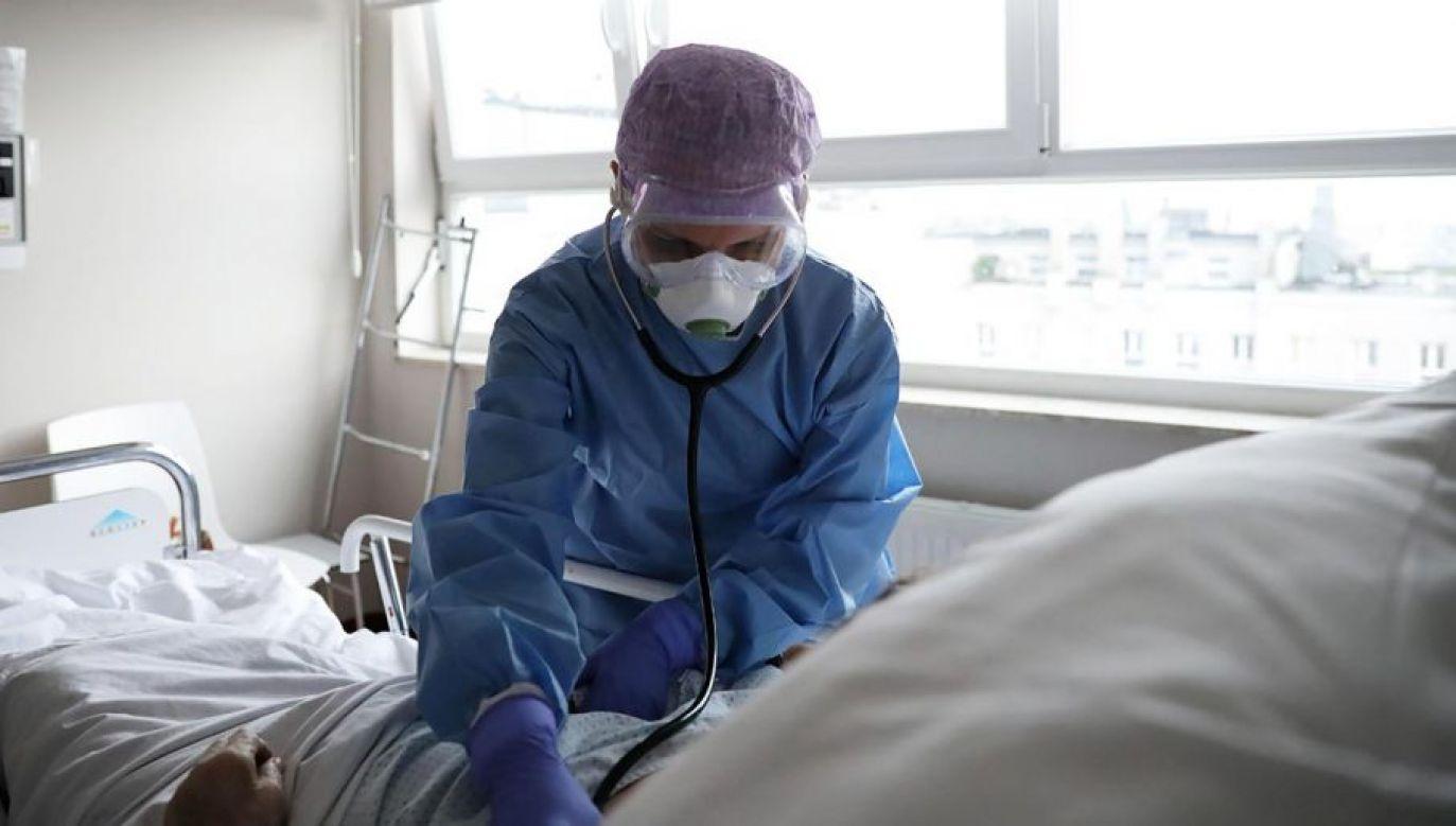 Ze względu na ognisko choroby, dyrekcja szpitala zdecydowała w piątek o zamknięciu Oddziału Kardiochirurgii (fot. PAP/Leszek Szymański)