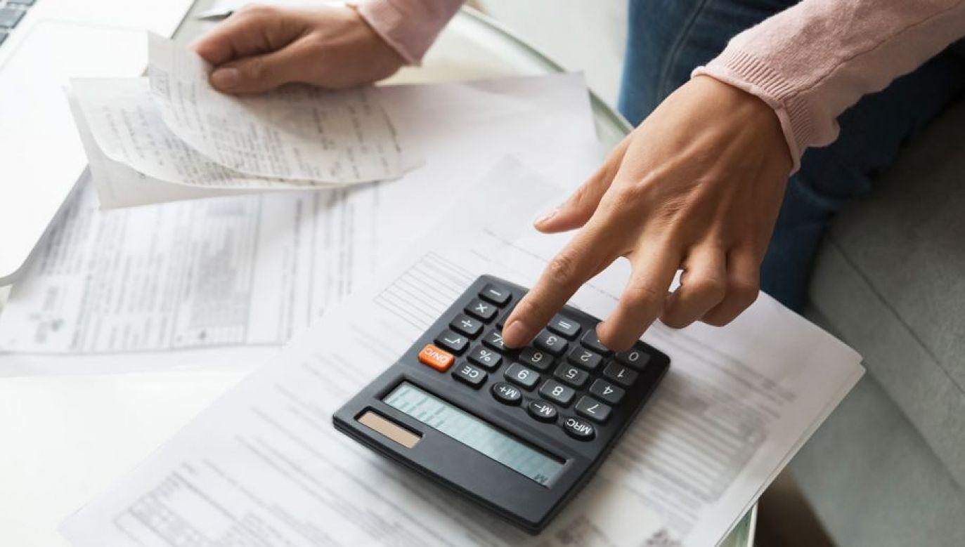 Przedsiębiorcy wolą trzymać pieniądze na czarną godzinę (fot. Shutterstock/ fizkes)